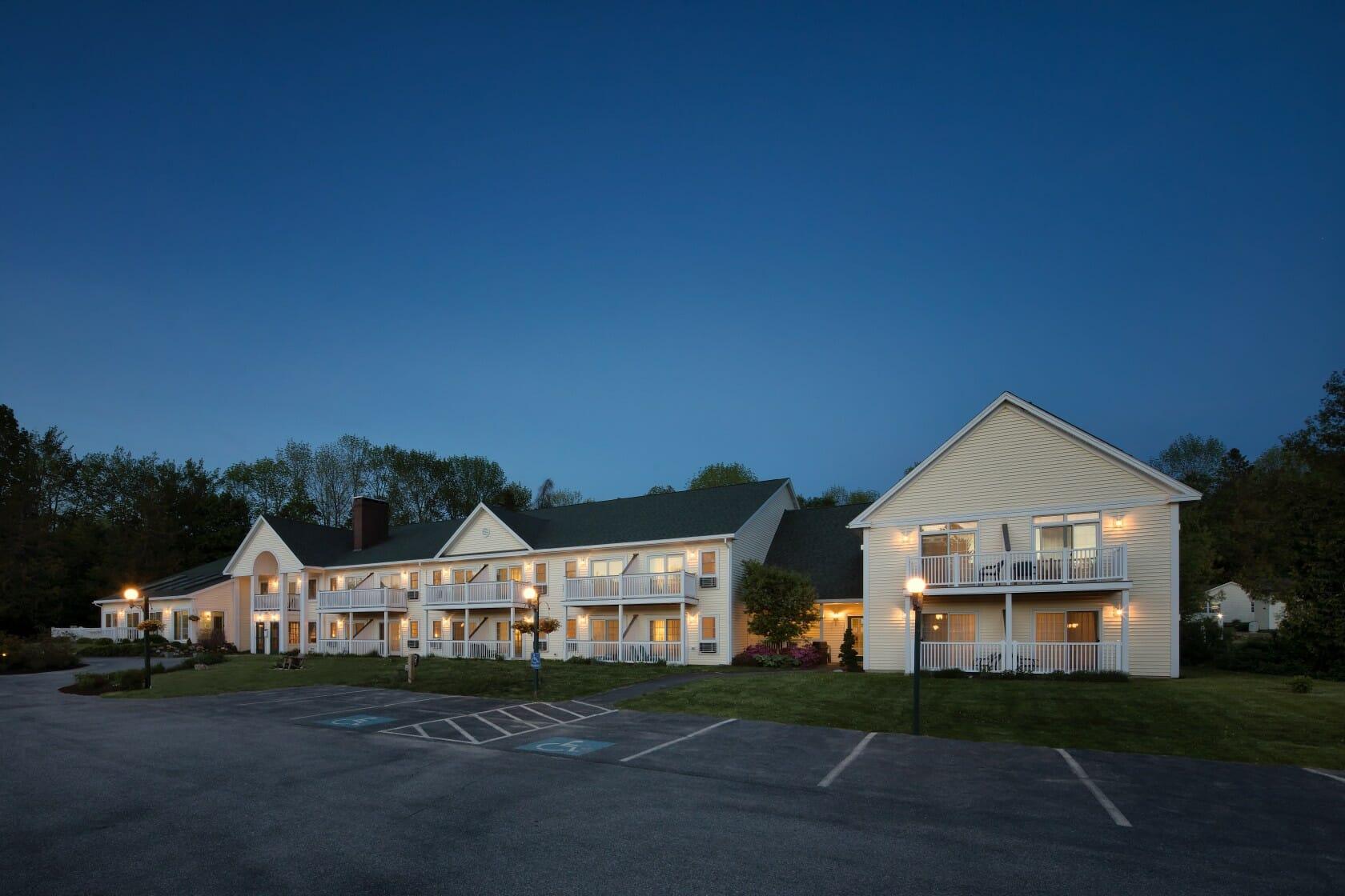 hotel in Camden Maine near Long Grain Restaurant