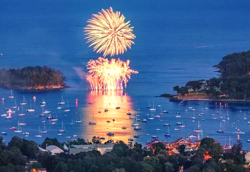 Camden Maine Events - Camden Windjammer Days Fireworks over bay