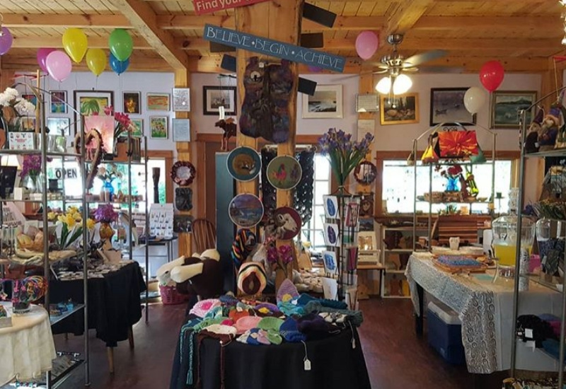 inside of bonnies place in rockport maine - arts, crafts, shop