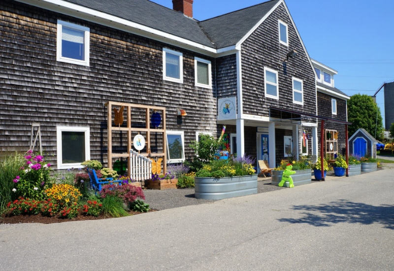 outside of Coastal Children's Museum in rockland maine