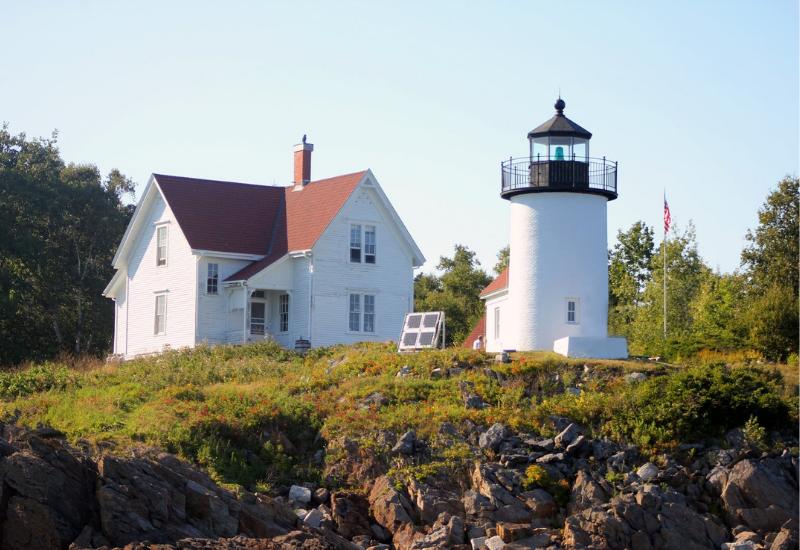 best lighthouses midcoast maine camden rockport rockland maine - curtis island lighthouse