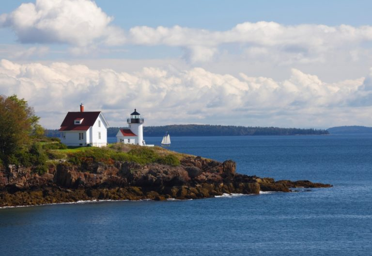 camden harbor lighthouse camden maine